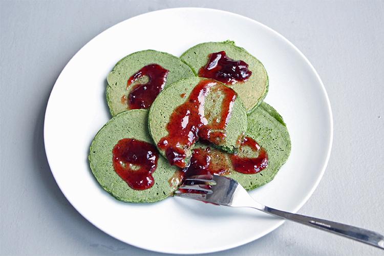 Pancakes verts aux épinards