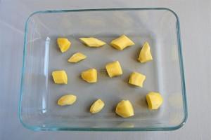 Comment préparer et conserver le gingembre - Racine de gingembre pelée et découpée en morceaux