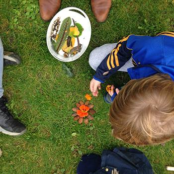 aventures-nature-ateliers-enfants-plein-jardinage-activite-vacances-mandala-land-art